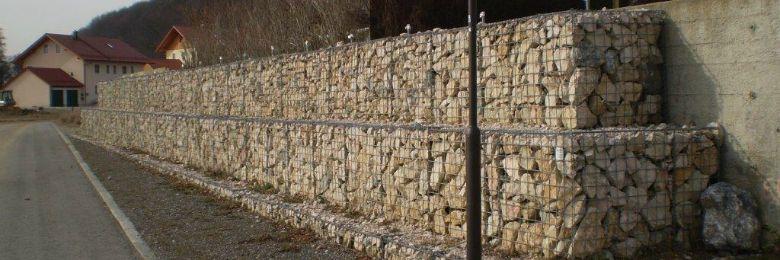 Steinkörbe und Steinzäune auf Maß
