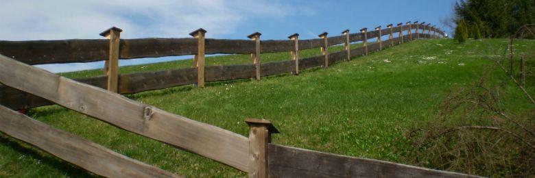Zäune Latten und Gartentore im Oberland
